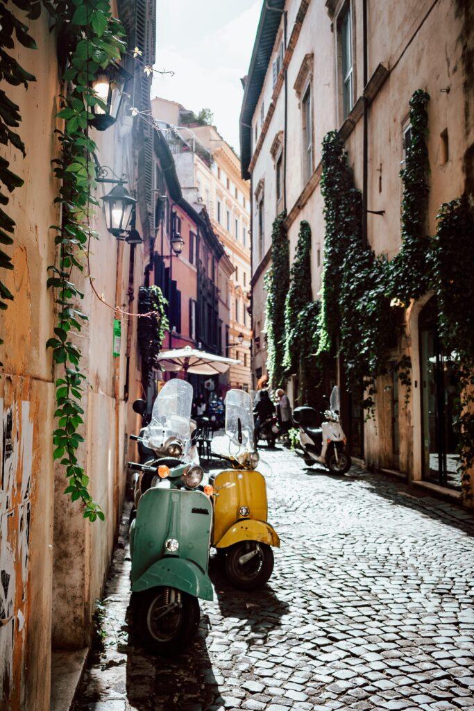 Vicoli senza tempo a Roma